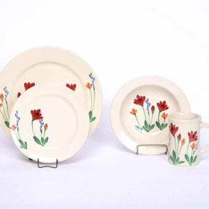 Red Poppy Classic Dinner Plate Set for One